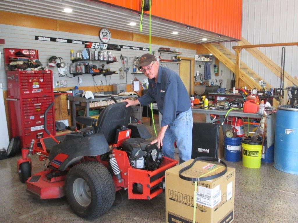 Ag & Turf Power Service - Dave in the shop